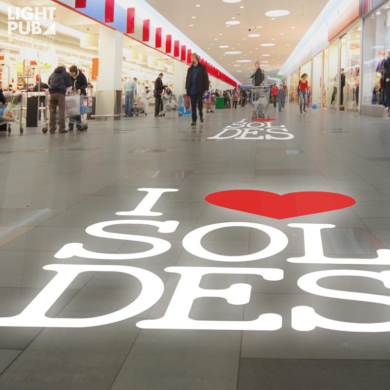 Projecteur message lumineux mobile centre commercial