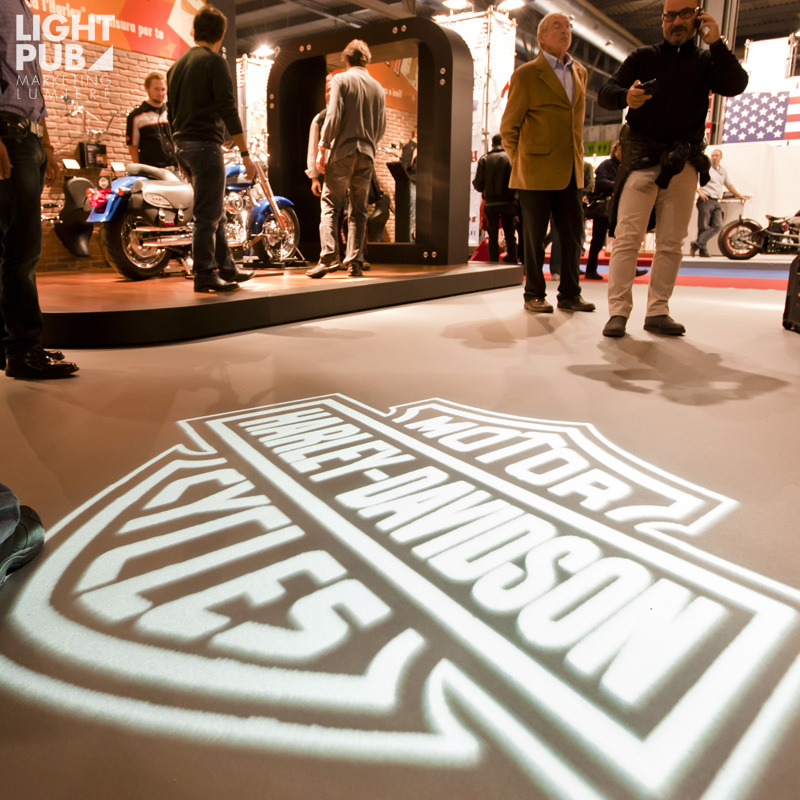 Projection logo lumineux mobile pour salon et événement